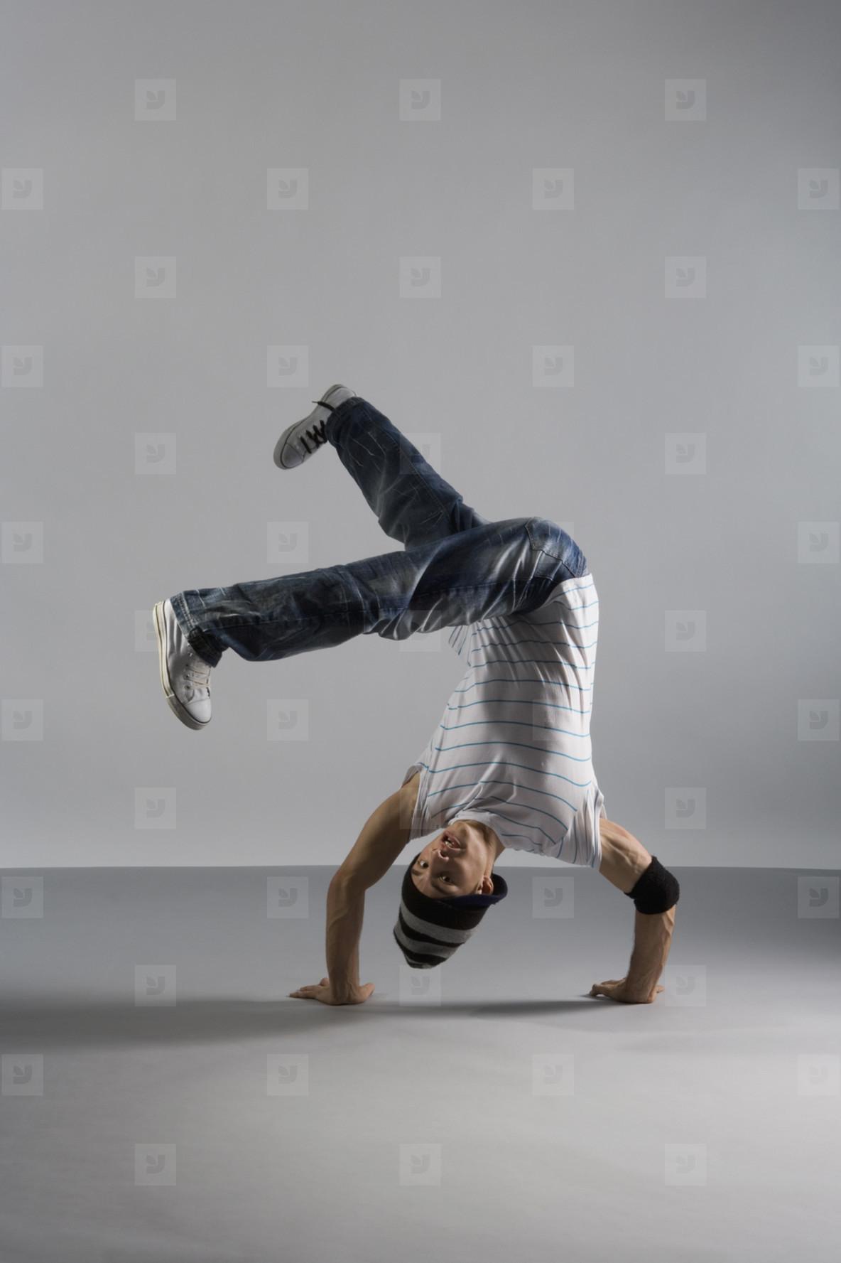 Breakdancing Boyz  04