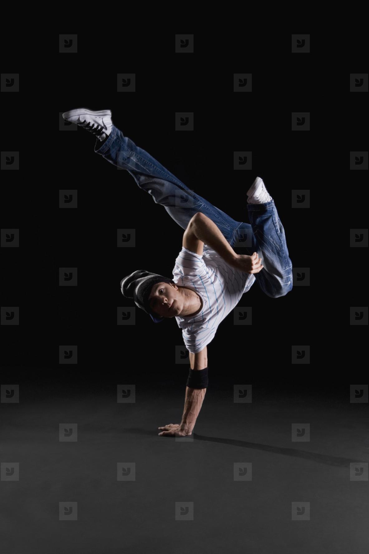 Breakdancing Boyz  09