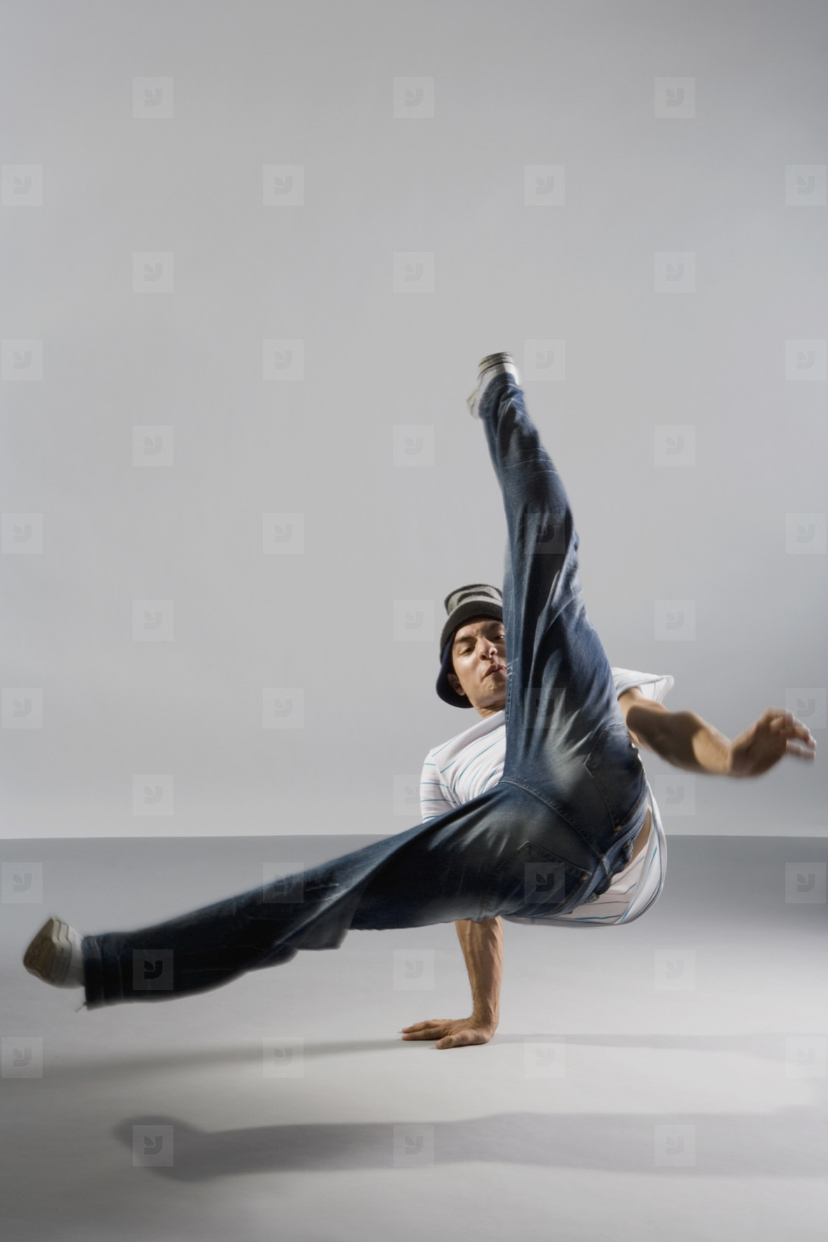 Breakdancing Boyz  13