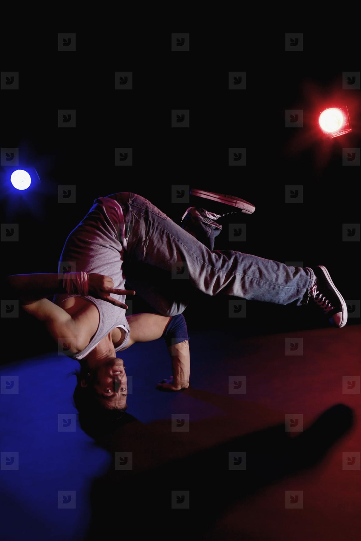 Breakdancing Boyz  18