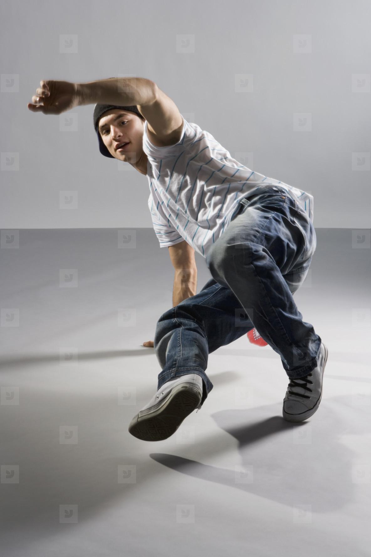 Breakdancing Boyz  31