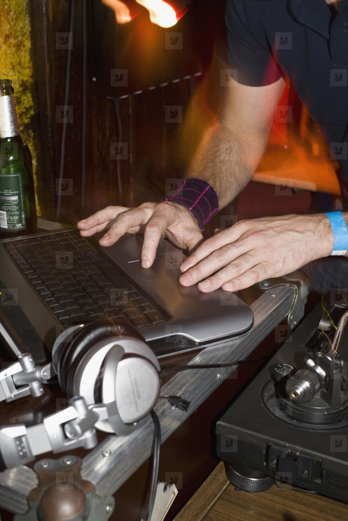 Party Mix  03