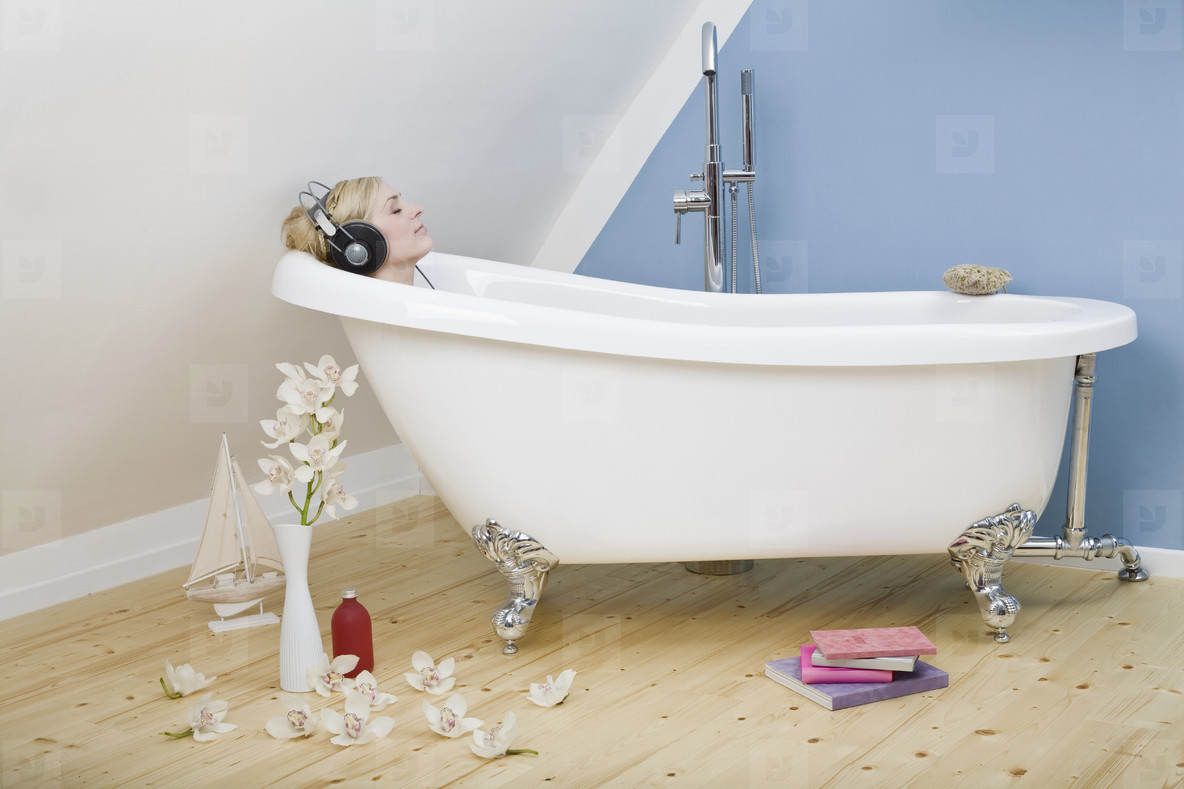 A Girl and Her Bath  02