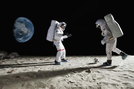Moon Men 08
