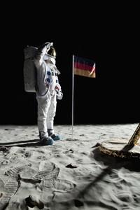 Moon Men 11
