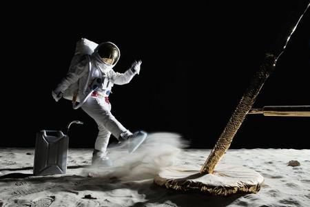 Moon Men 16