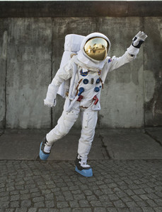 Moon Men 25