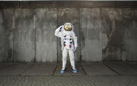 Moon Men 27