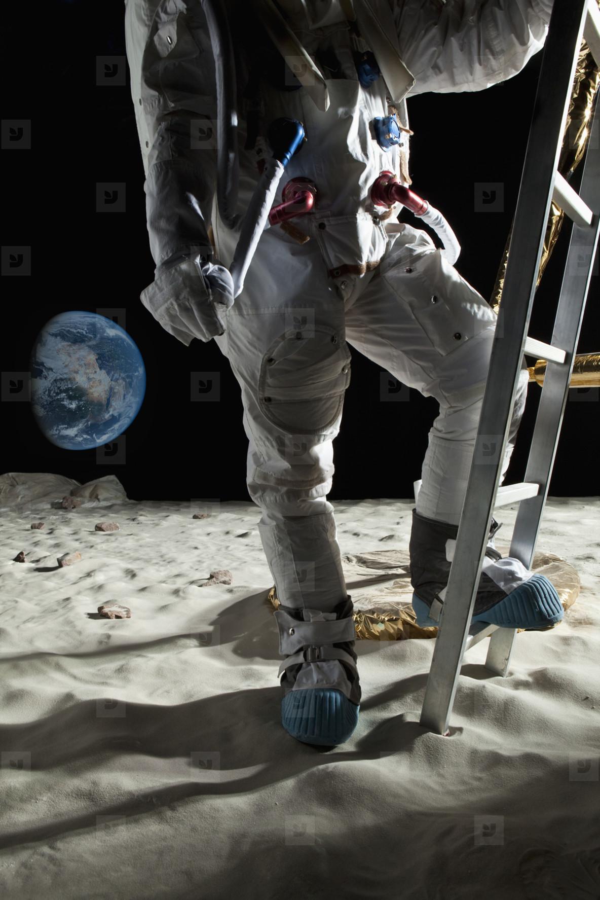 Moon Men  32