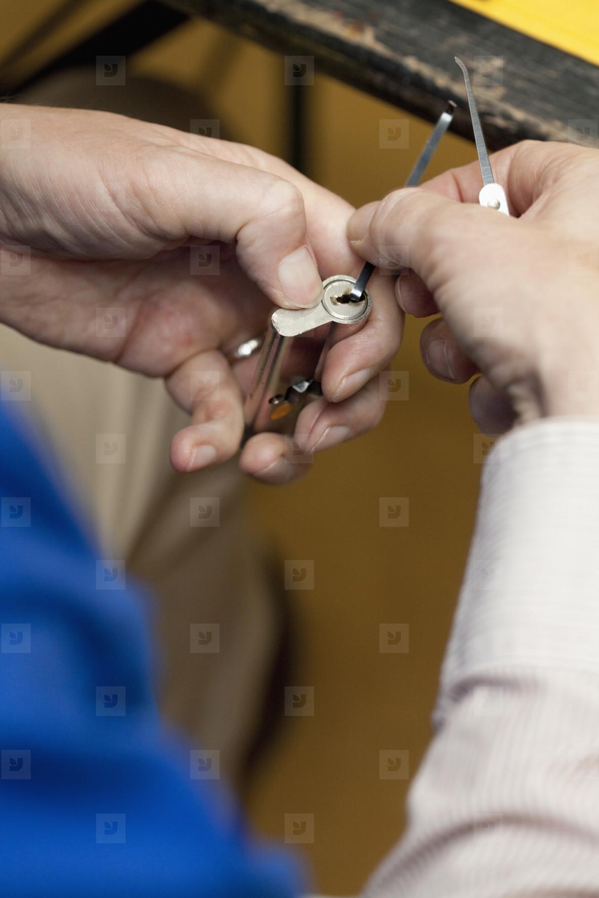 Lock Picking 101  01