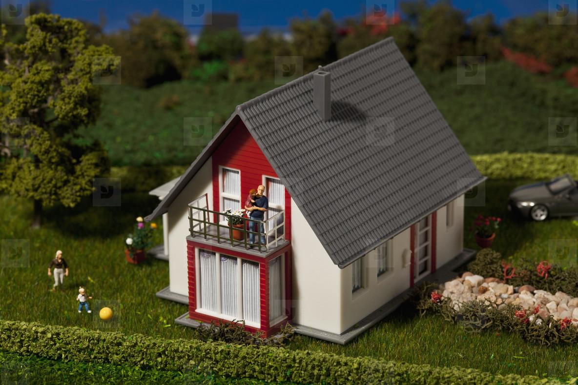 Green Living Miniatures  27