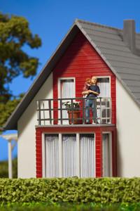 Green Living Miniatures 28