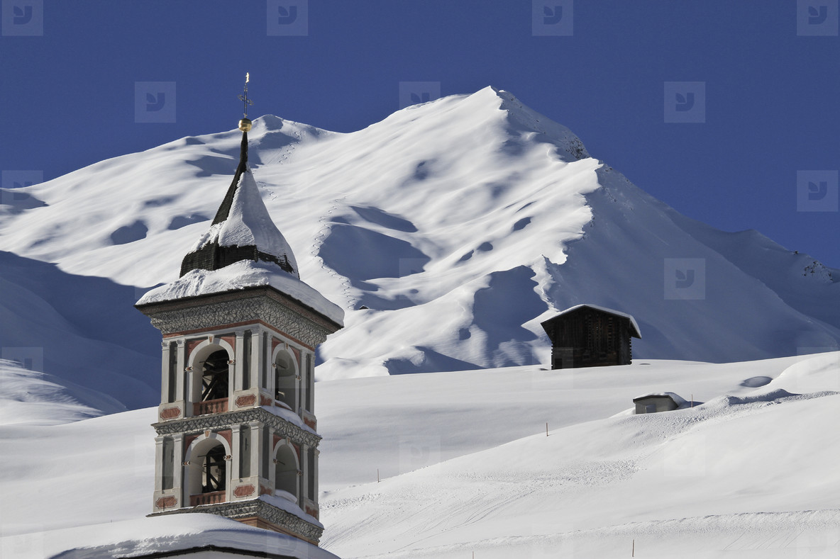 Snowy Mountain Trails  39