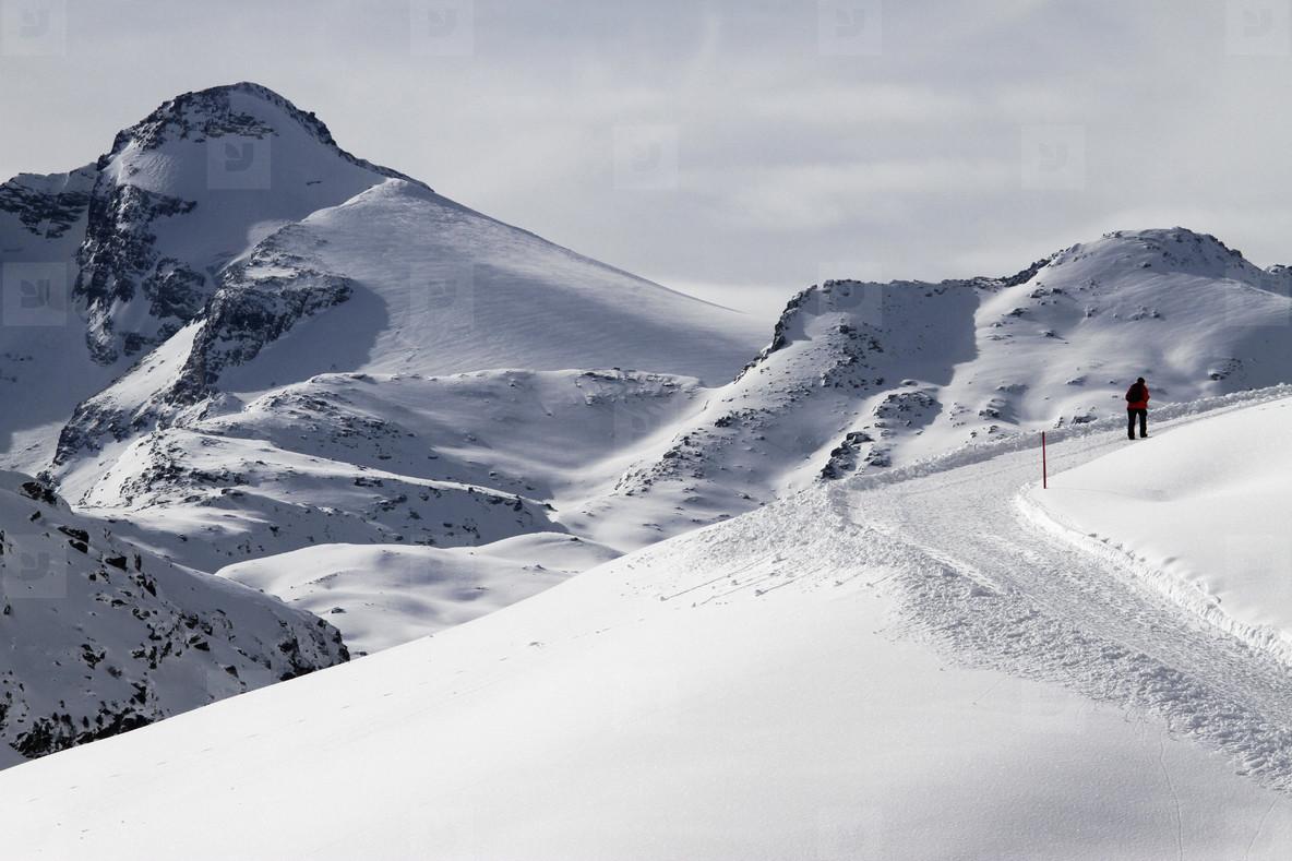 Snowy Mountain Trails  43