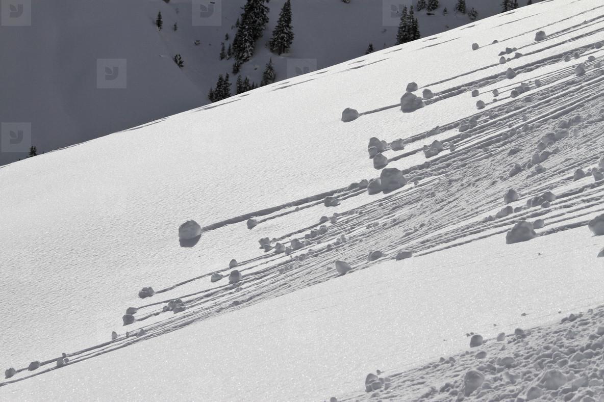 Snowy Mountain Trails  55