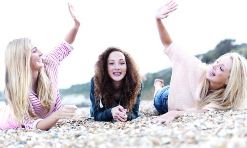 Beach Girls 16