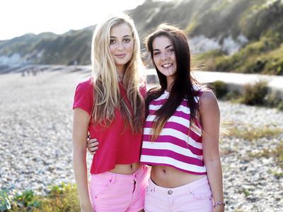 Beach Girls  19