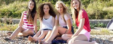 Beach Girls  23