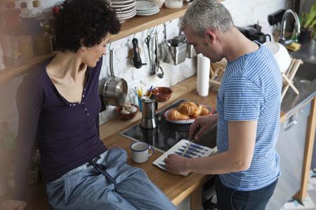 Kitchen Couple  23
