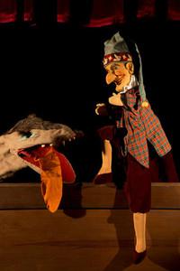 Puppet Show 03