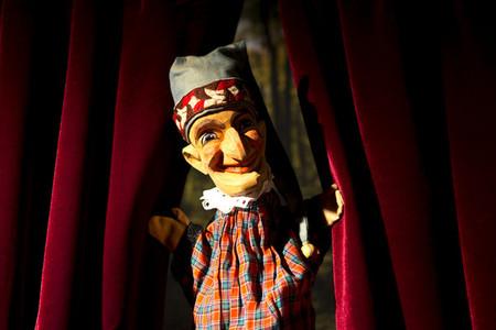 Puppet Show 06