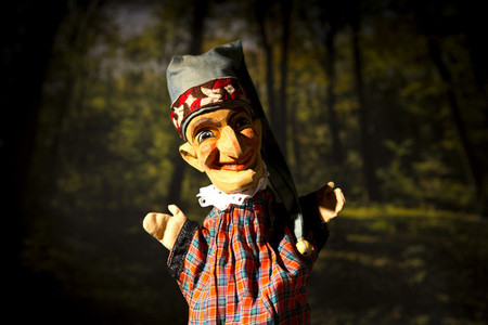 Puppet Show 08