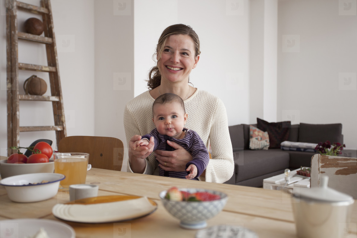Modern Family Interior  06