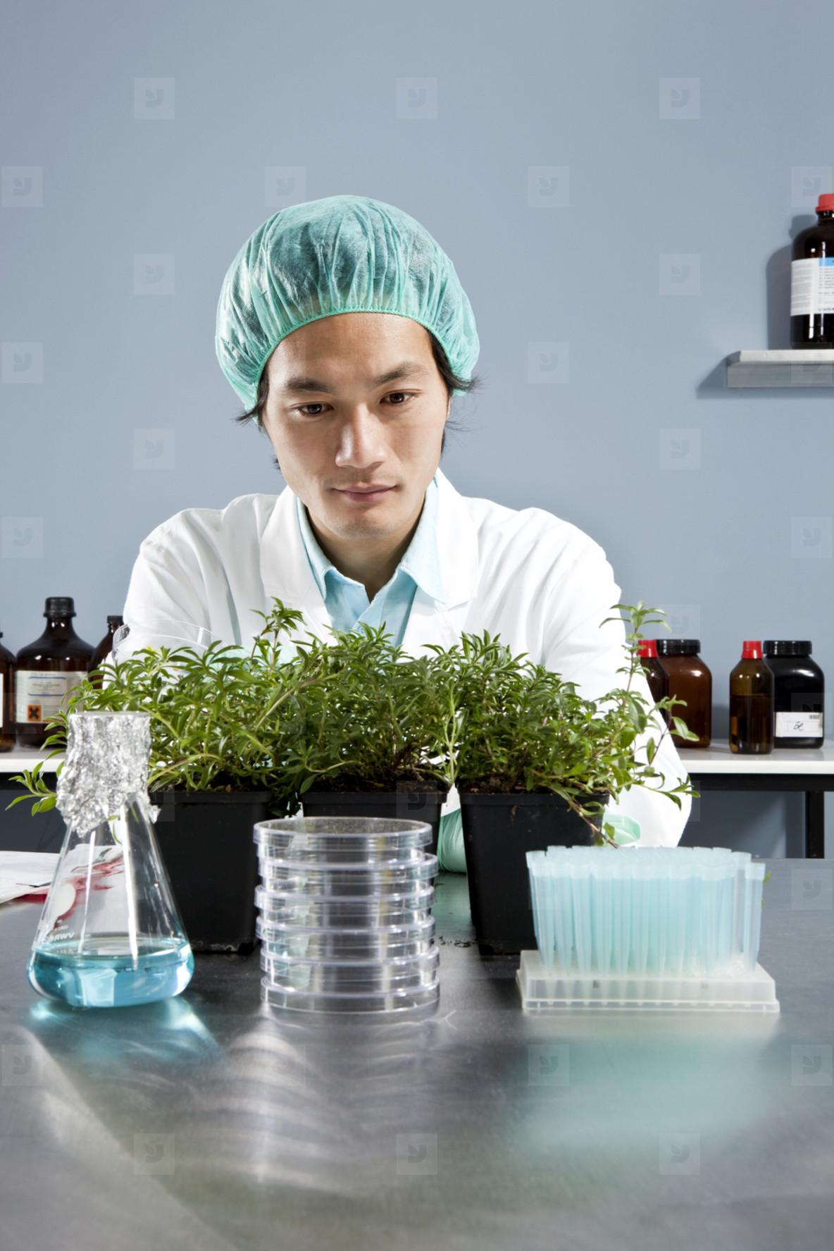 Lab Technicians  02