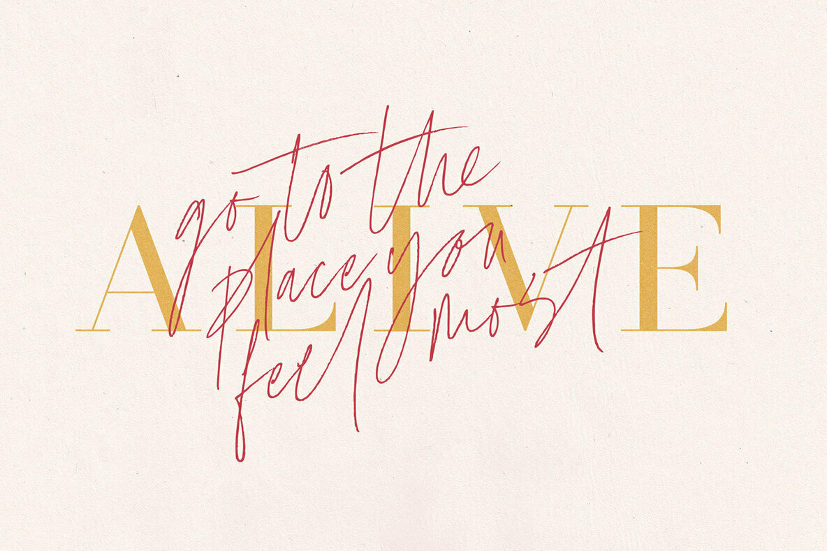Coral Blush Font Duo