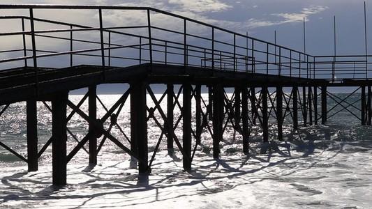 Hard rust pier